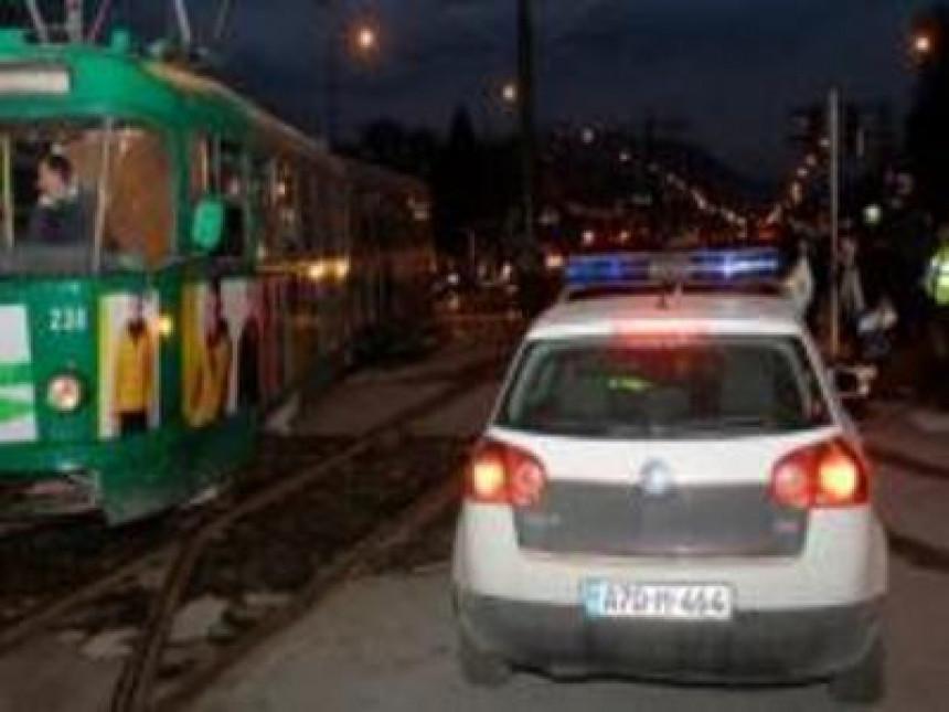 Drama u Sarajevu: Tri djevojke bacile suzavac