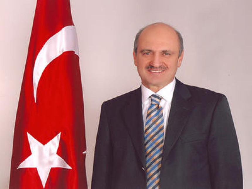 Министар поднио оставку због корупције