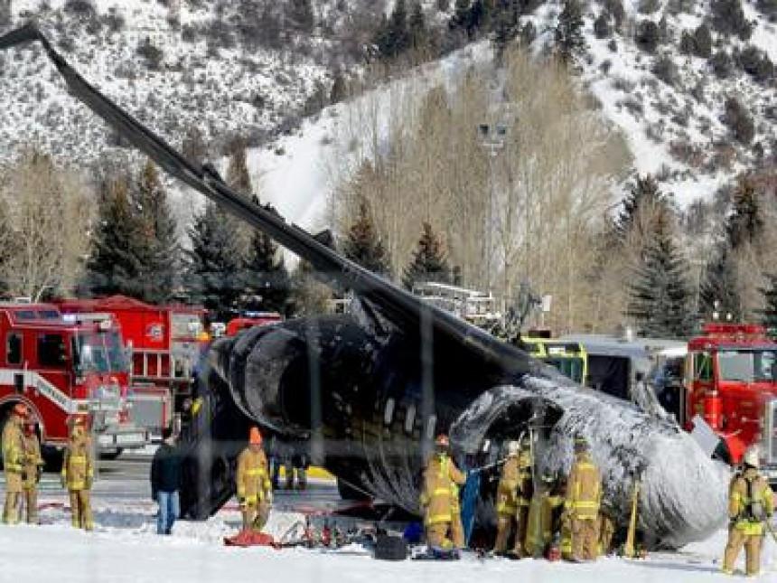 Privatni avion srušio se na pistu