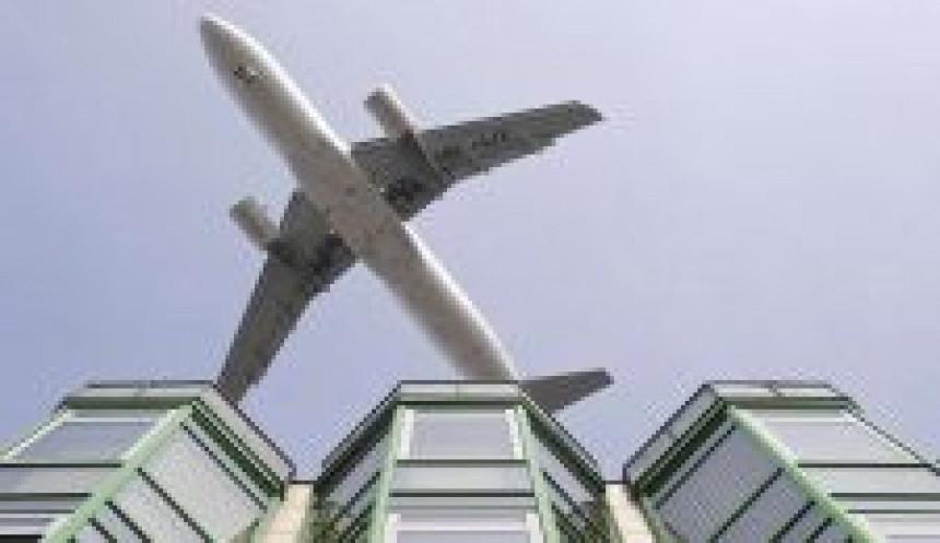 Pijani putnik napravio zbrku u avionu
