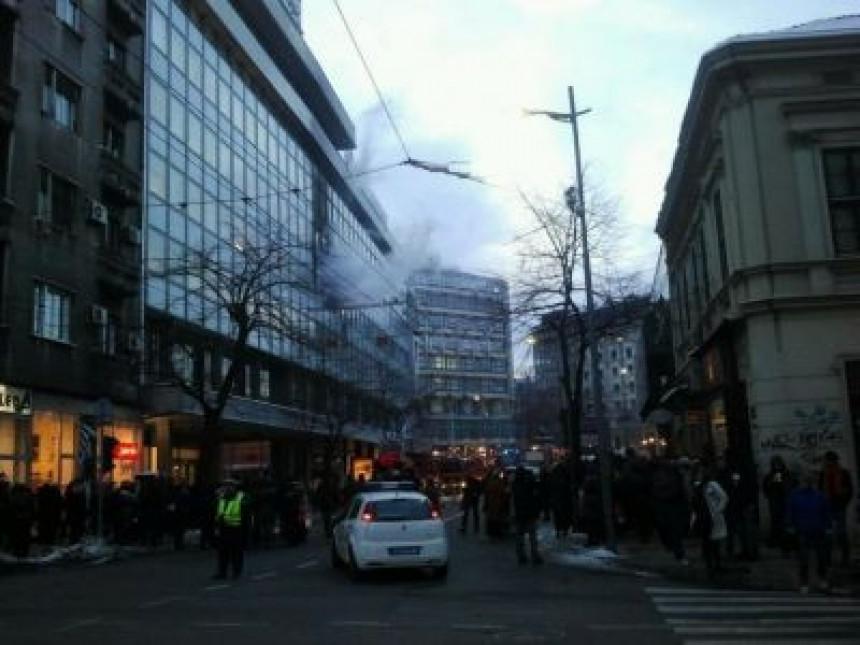 Beograd: Gori zgrada na Trgu Republike!
