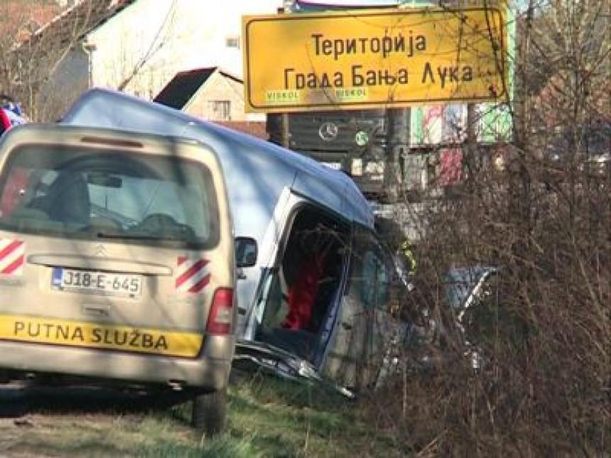 Teška saobraćajka na putu Banjaluka - Prijedor