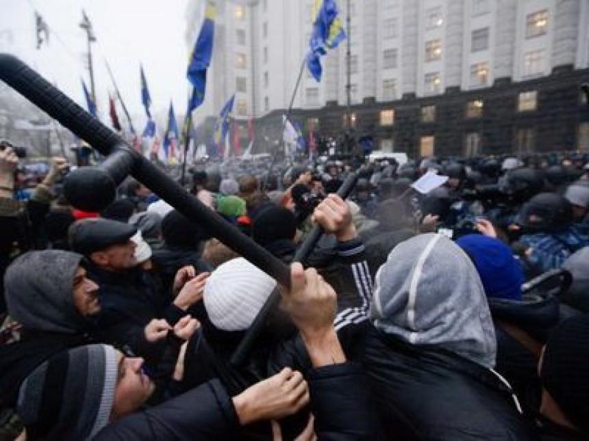 U centru Kijeva i dalje 10 000 demonstranata