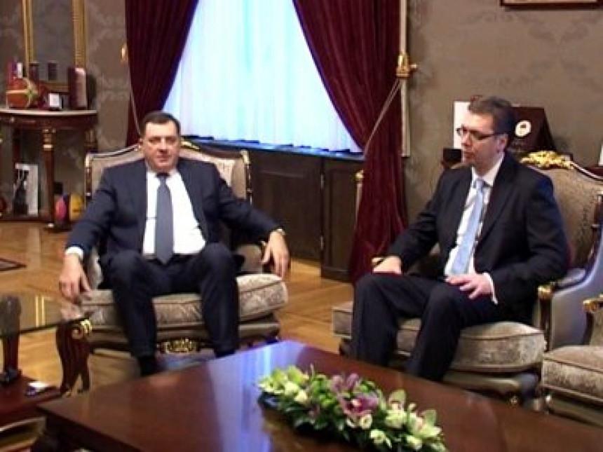 Počeo sastanak Dodika i Vučića