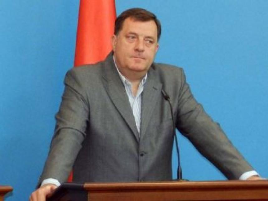 Dodik: Bosić obesmišljava referendum