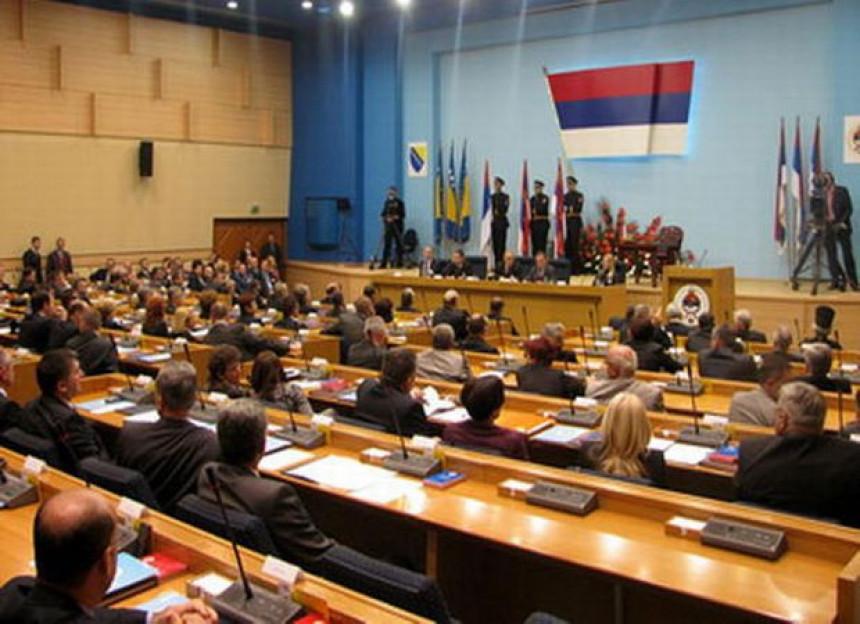 Oštre kritike opozicije u parlamentu Srpske