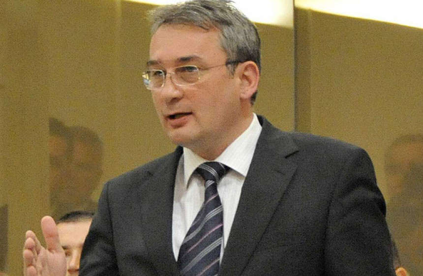 SNSD i SDP doveli do besmisla Savjet ministara