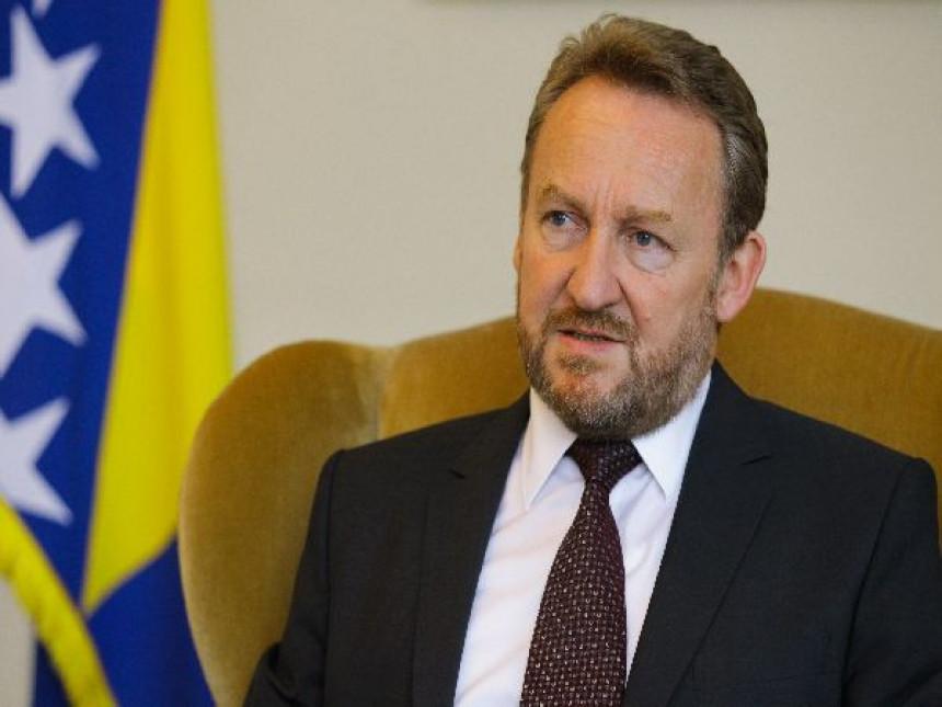 Izetbegović zatražio ocjenu ustavnosti odluke Vlade Srpske