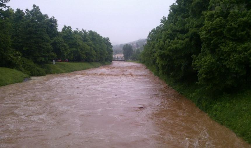 Zbog poplava Doboj u potpunoj blokadi