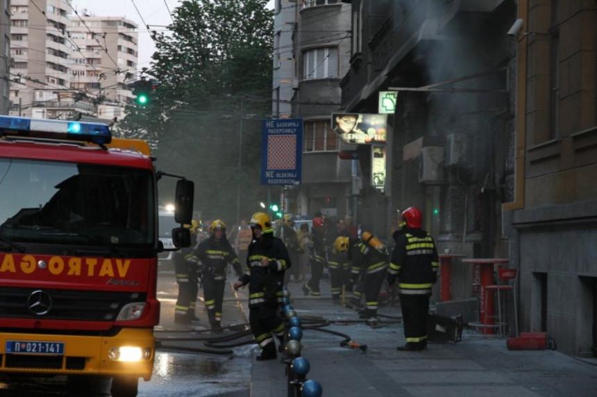 Експлозија у локалу брзе хране, 6 повријеђених!