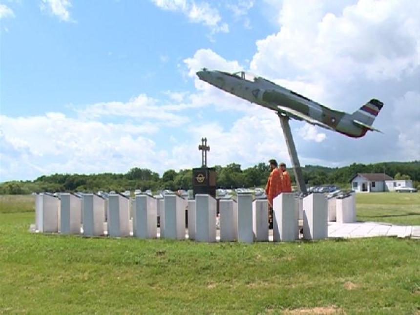Godišnjica Vazduhoplovstva i PVO VRS (VIDEO)