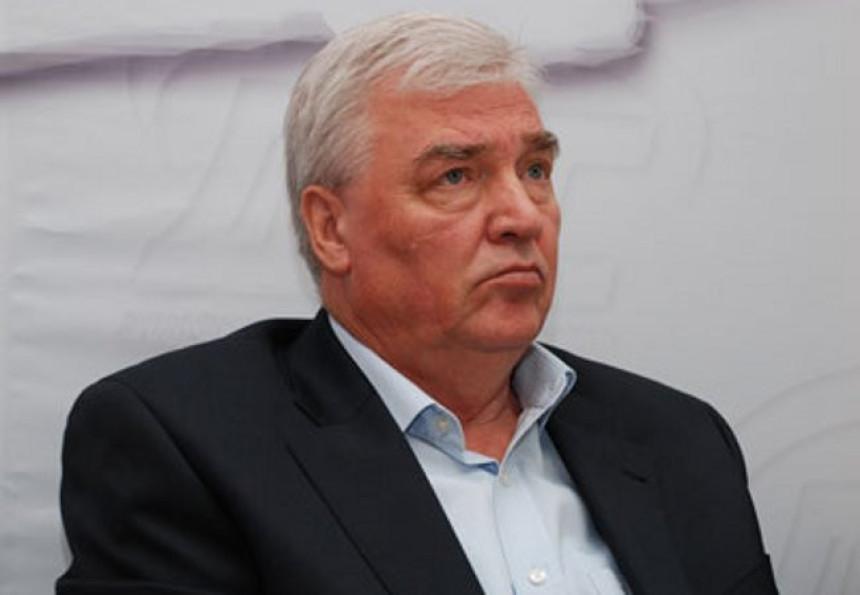 Marko Pavić ne popušta SNSD-u