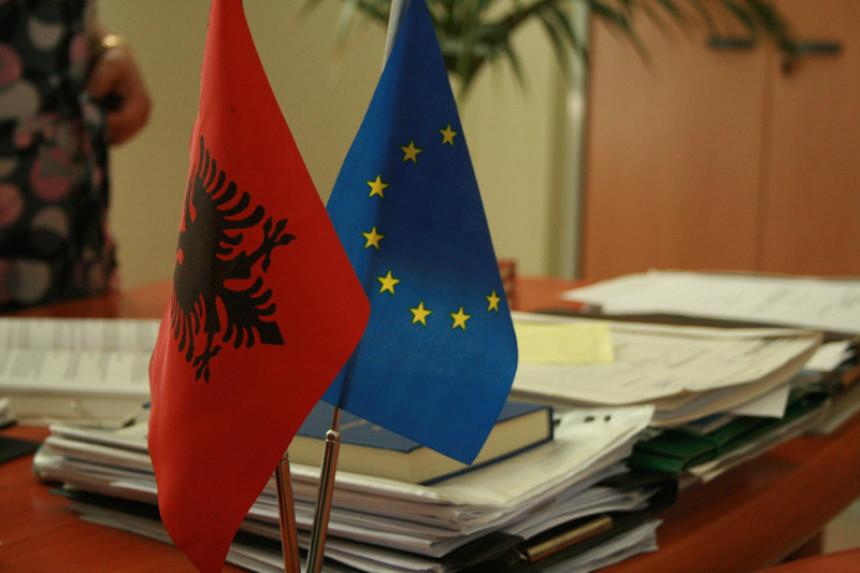 Albanija dobija status kandidata