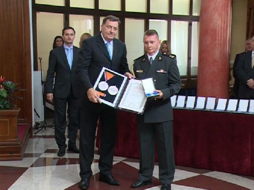 Dodik nije odlikovao Antu Kotromanovića