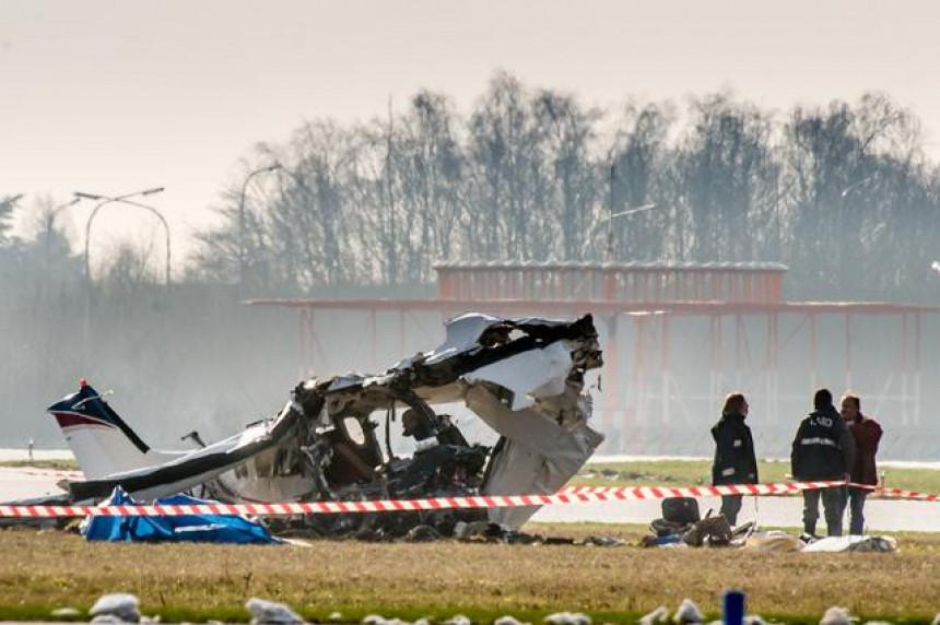 Pao avion, skoro svi poginuli