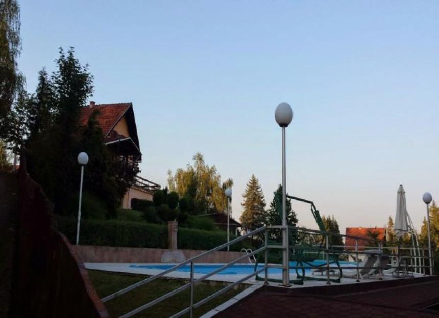 Škrbićev ranč u Slatini - vila, bazen, vinograd