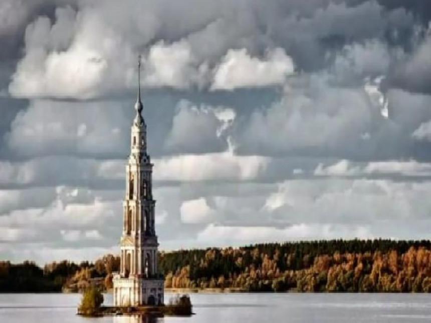 """Izronio"" grad iz rijeke Volge!"