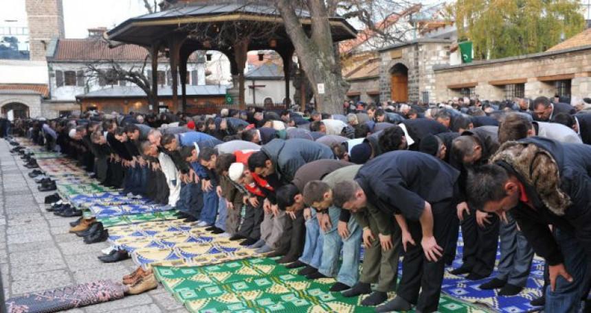 Муслимани прослављају Бајрам
