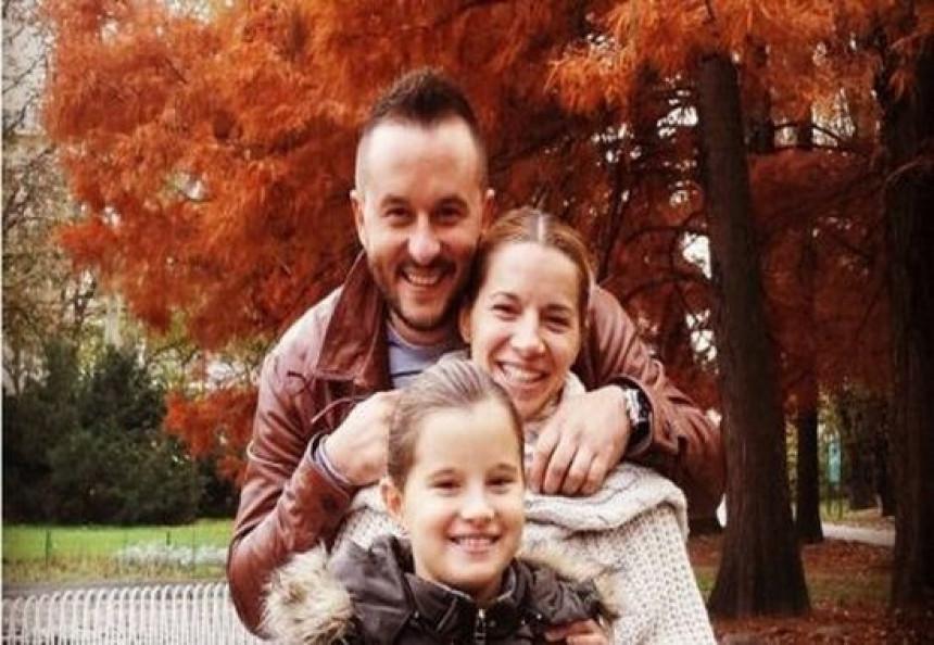 Ivan Ivanović uživa sa ženom i ćerkom