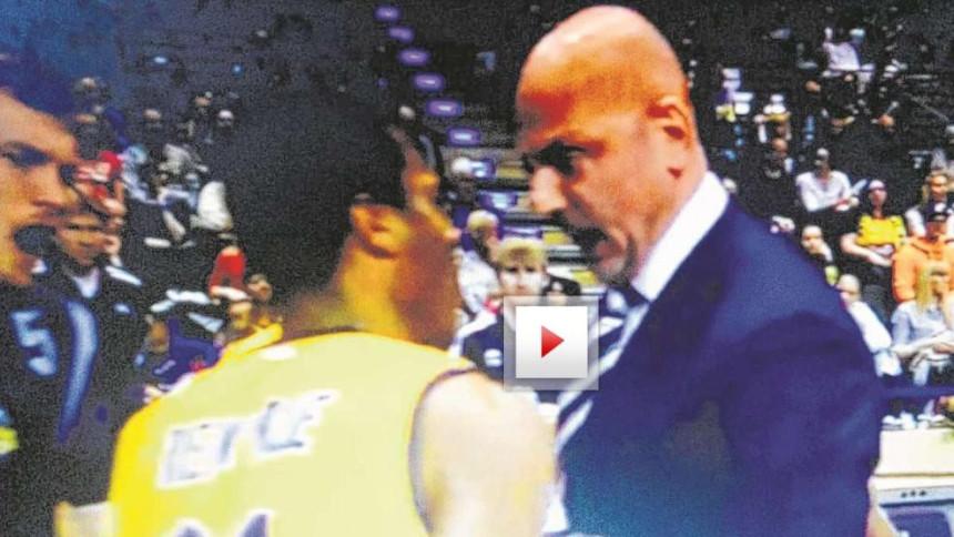Video: Saša kao Dule - udri na svog igrača!