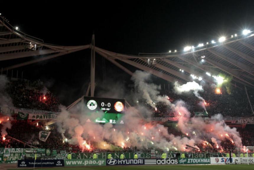 Grci će igrati fudbal pred praznim tribinama zbog huligana!