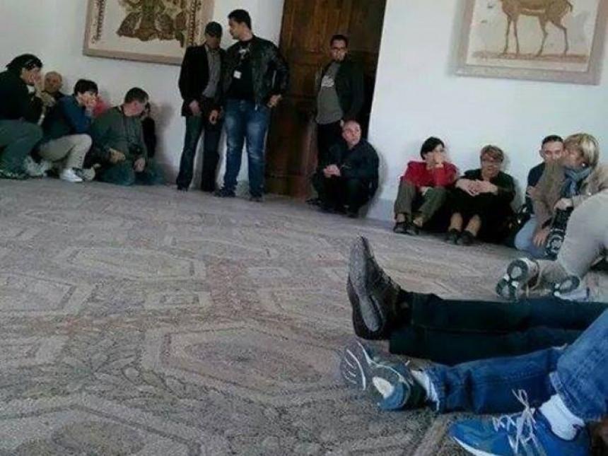Talačka kriza u Tunisu - osmoro ljudi ubijeno