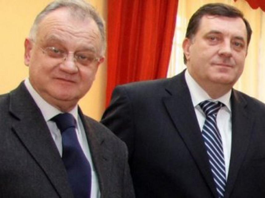 Dodik u kabinet zaposlio i Kalinića