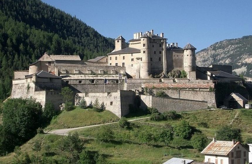 Na prodaju dvorac sa tvrđavom iz 13.vijeka