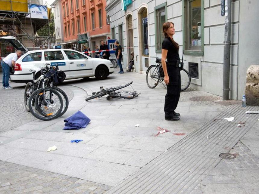Masakr:Automobilom gazio ljude!