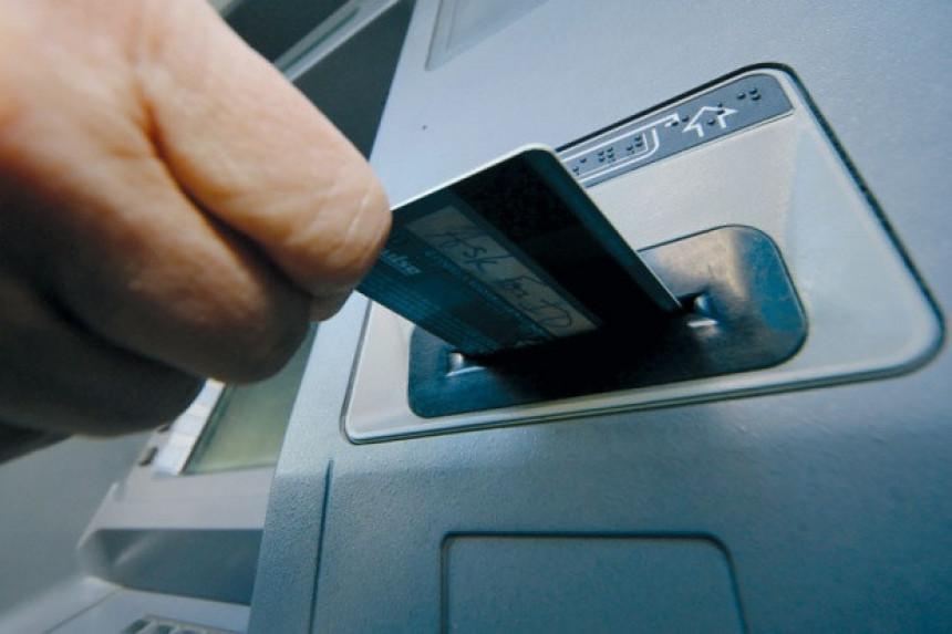 Lažnim karticama ukrali osam miliona!