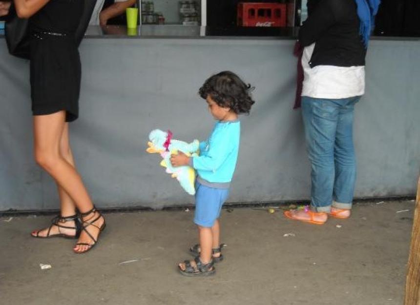 Zašto je dječak vratio igračku volonterki?