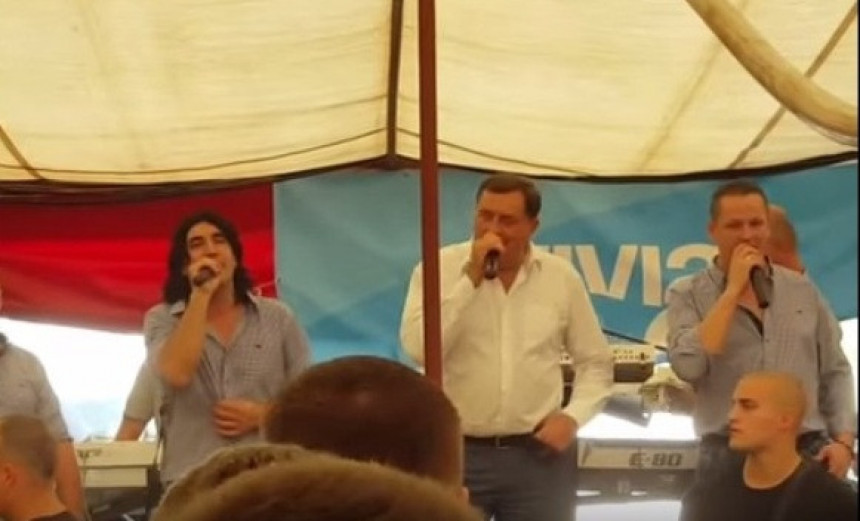 Dodik opet pjeva!
