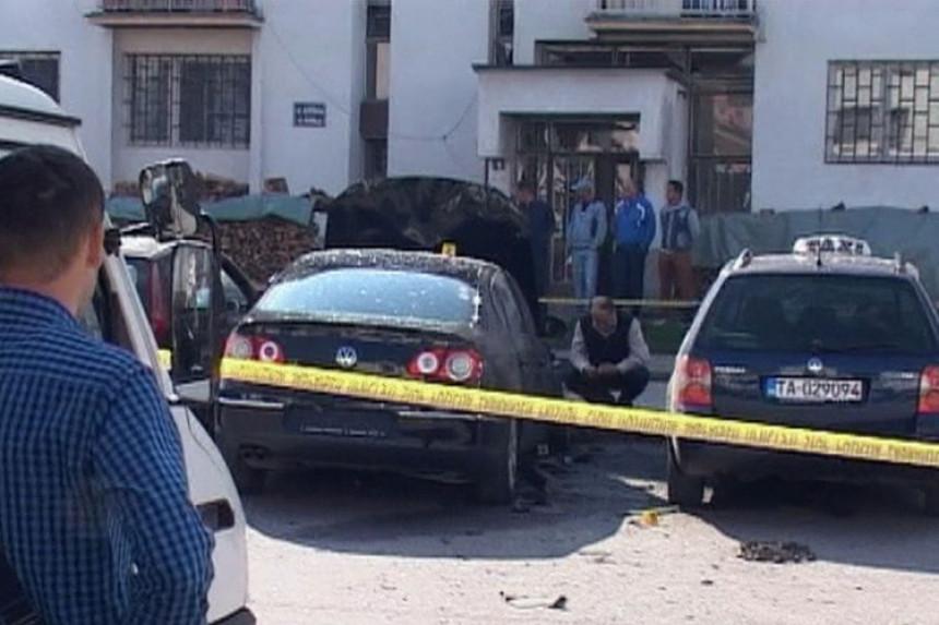 Eksploziv pod dva vozila u Bratuncu