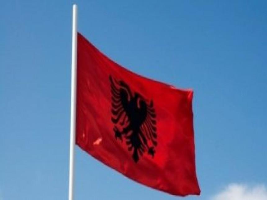 U Kičevu se vijori albanska zastava
