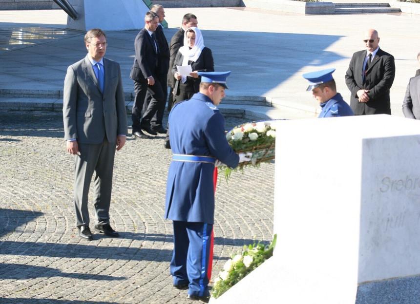 Vučić stigao u Srebrenicu