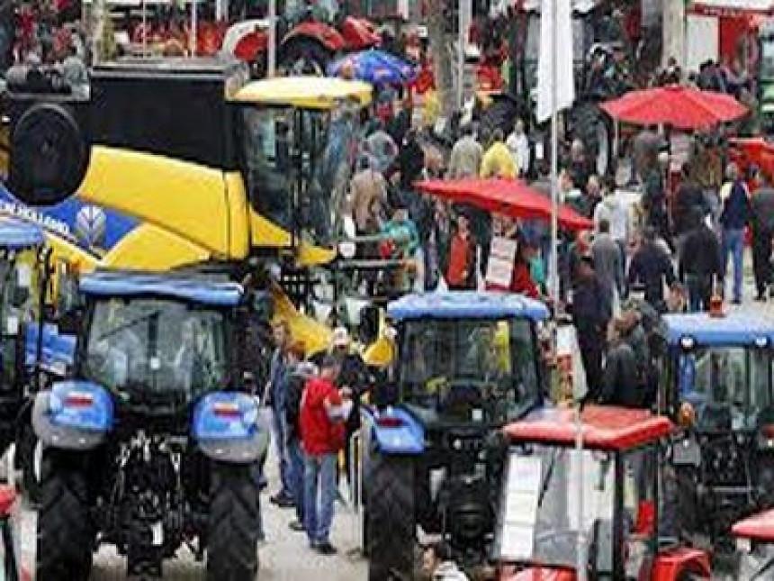 Traktorima i danas blokiran saobraćaj