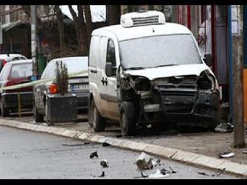 Eksplozija u Mitrovici oštećen automobile kosovskog Srbina