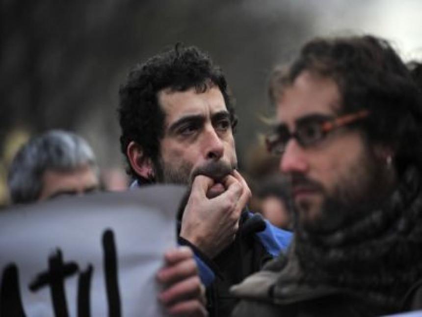 Solidarnost u Španiji: Vatrogasci i bravari odbili da izbacuju bankarske dužnike iz stanova