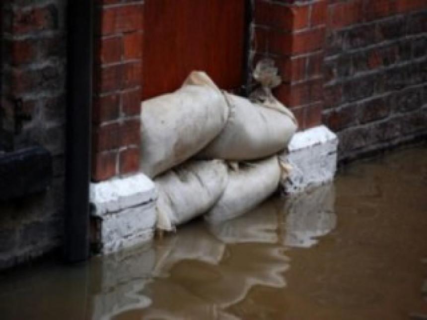 Poplave i dalje prijete Hrvatskoj i Srpskoj
