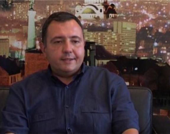 Logo Kosova na biračkom materijalu (VIDEO)