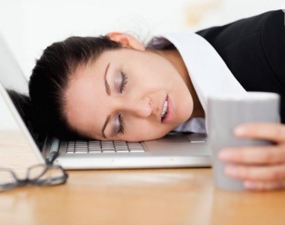 5 čudnih razloga zbog kojih ste umorni: Dehidracija nije jedina!