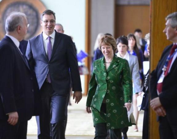 Ešton: Srbiju svi hvale zbog političkog vođstva