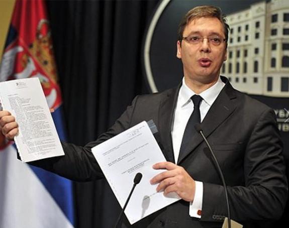 Vučić najavio veća primanja!