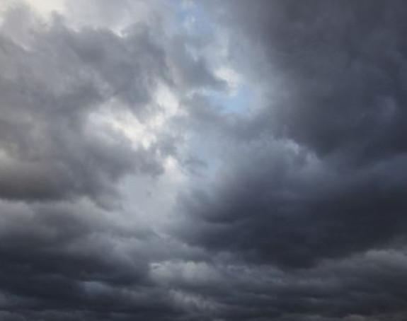 Sutra oblačno uz slabu kišu