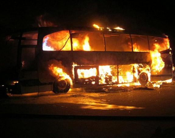 Mokro: Izgorio autobus