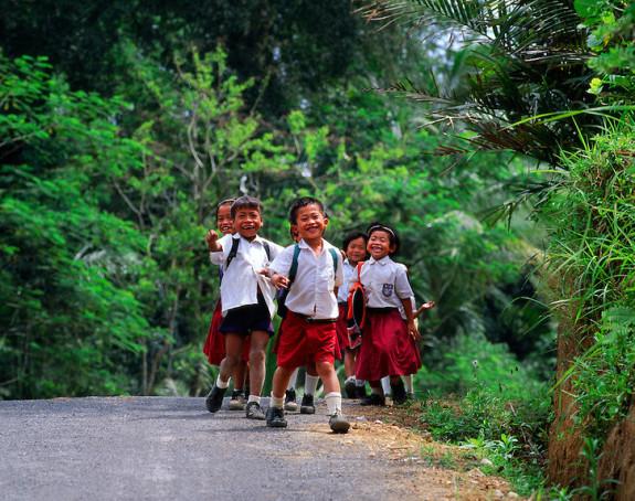 17 djece poginulo na putu do škole
