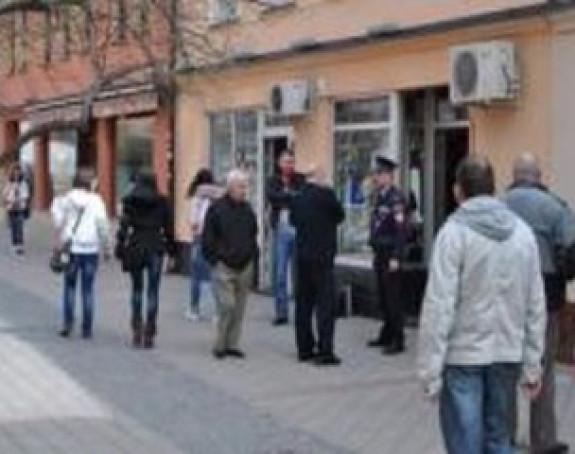 Drama u Prijedoru: Nasred ulice uhvatio 2 kradljivice s novčanikom