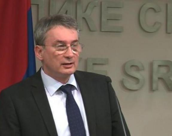 Босић - Додику: Уносите непримјерене подјеле