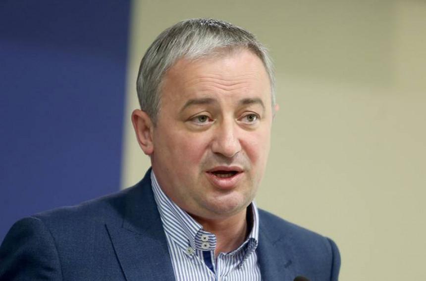 """Američki senator Borenoviću: Zbog korupcije trebaju odgovarati """"veliki"""""""