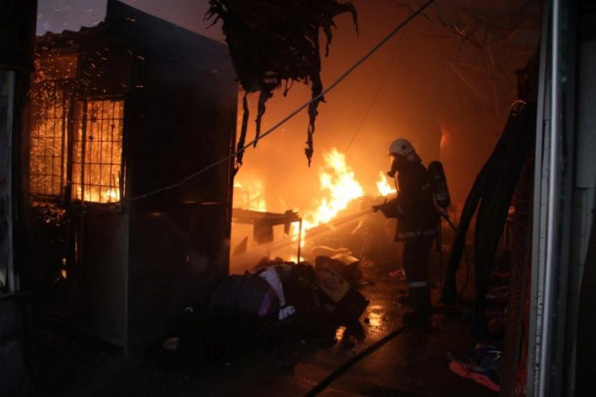 "Požar: Izgorio kafić ""Dionis"""